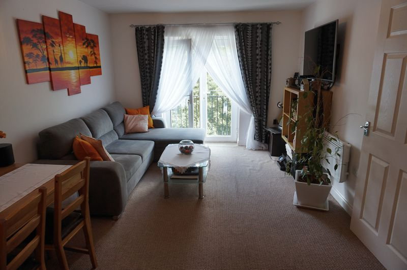 2 bed flat to rent in Brunswick Place 3