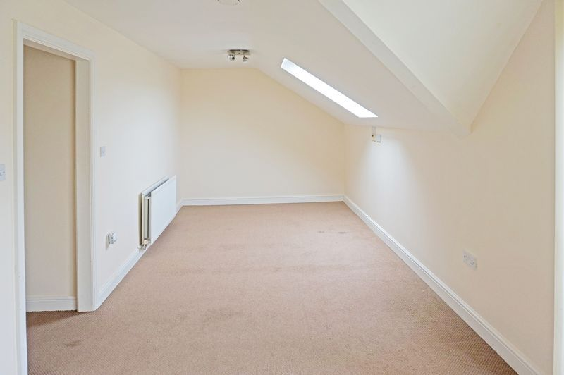 2 bed flat to rent in West View 3