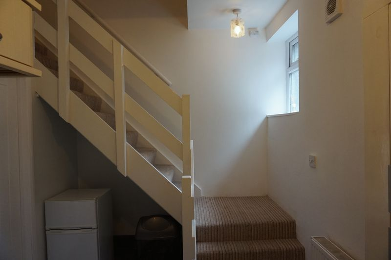 1 bed house to rent in Fairview Terrace  - Property Image 3