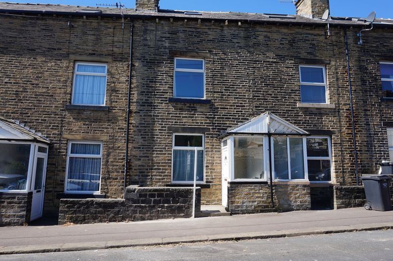 2 bed house to rent in Bath Place, HX3