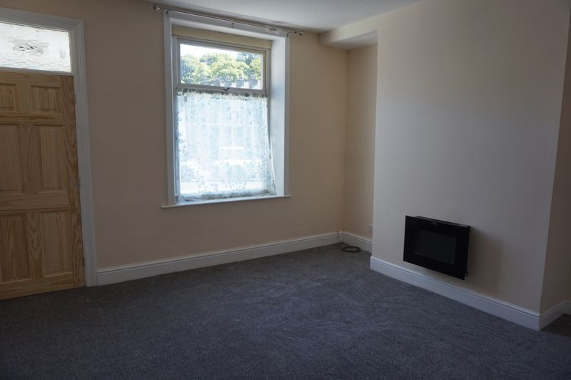 2 bed house to rent in Bath Place 3