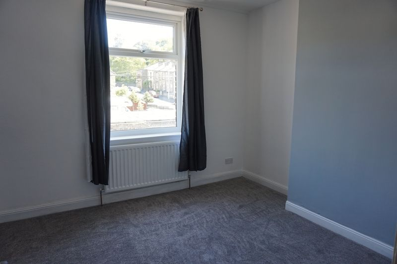 2 bed house to rent in Bath Place 7