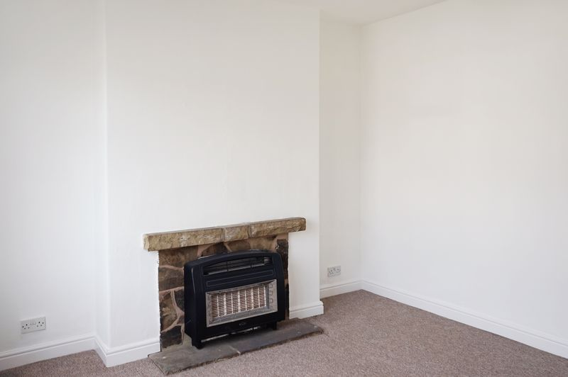 2 bed house to rent in Broadway 2