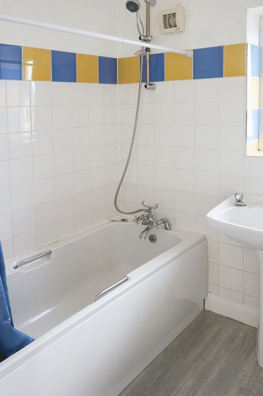 2 bed house to rent in Broadway  - Property Image 6