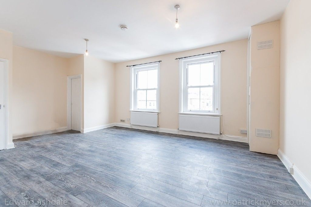 Flat to rent in Norwood Road, Tulse Hill, London  - Property Image 2