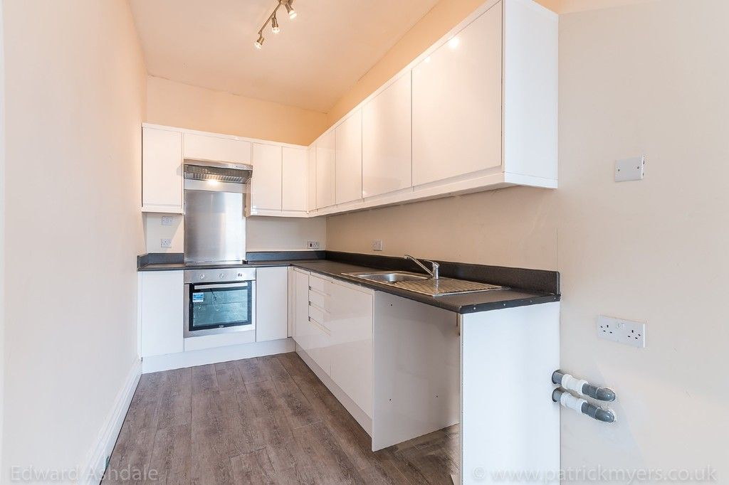 Flat to rent in Norwood Road, Tulse Hill, London 4