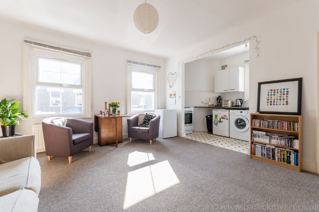 2 bed flat to rent in Fellbrigg Road, East Dulwich 2
