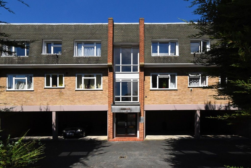 1 bed flat to rent in Brownspring Drive, London, SE9