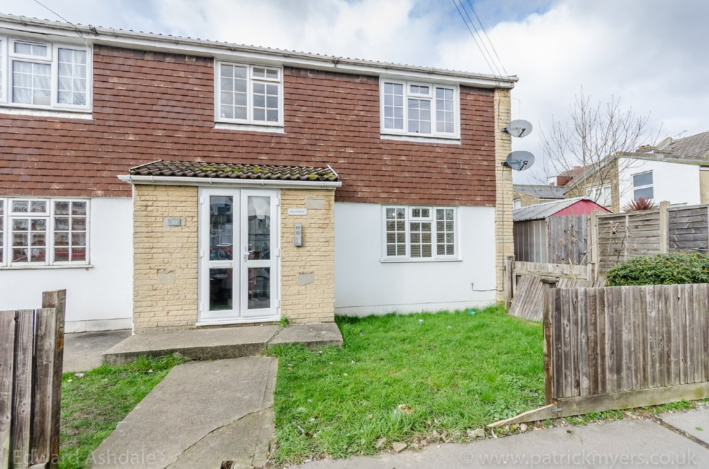 1 bed flat to rent in Crowther Road, South Norwood 1