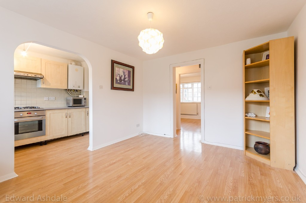 1 bed flat to rent in Crowther Road, South Norwood 2