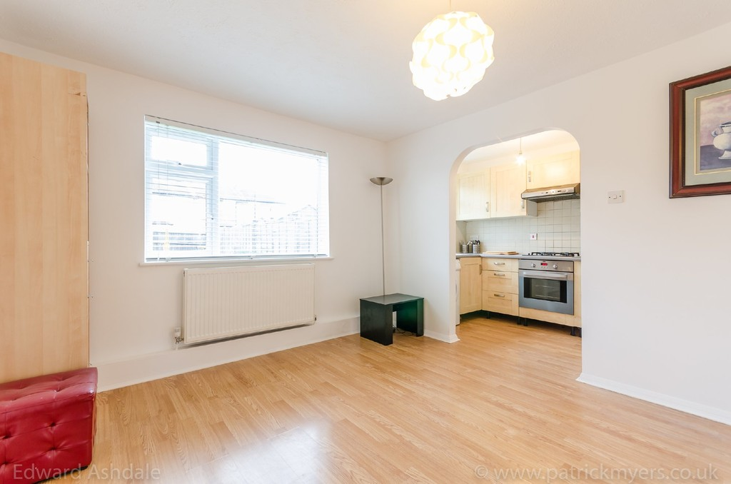 1 bed flat to rent in Crowther Road, South Norwood 3