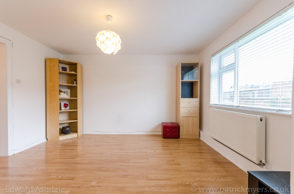 1 bed flat to rent in Crowther Road, South Norwood 4