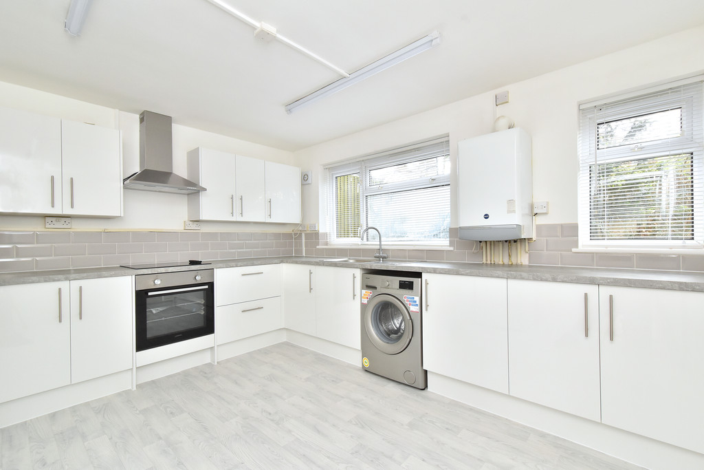 2 bed flat to rent in Shelbey Court, 1 Farnaby Road 2
