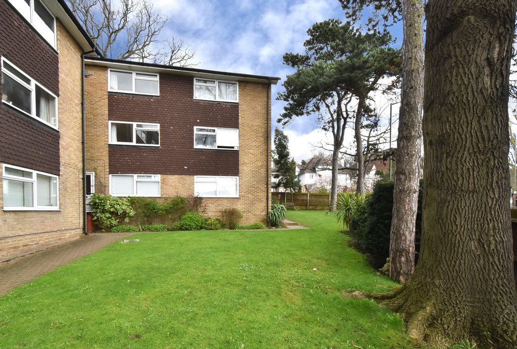 2 bed flat to rent in Shelbey Court, 1 Farnaby Road 3