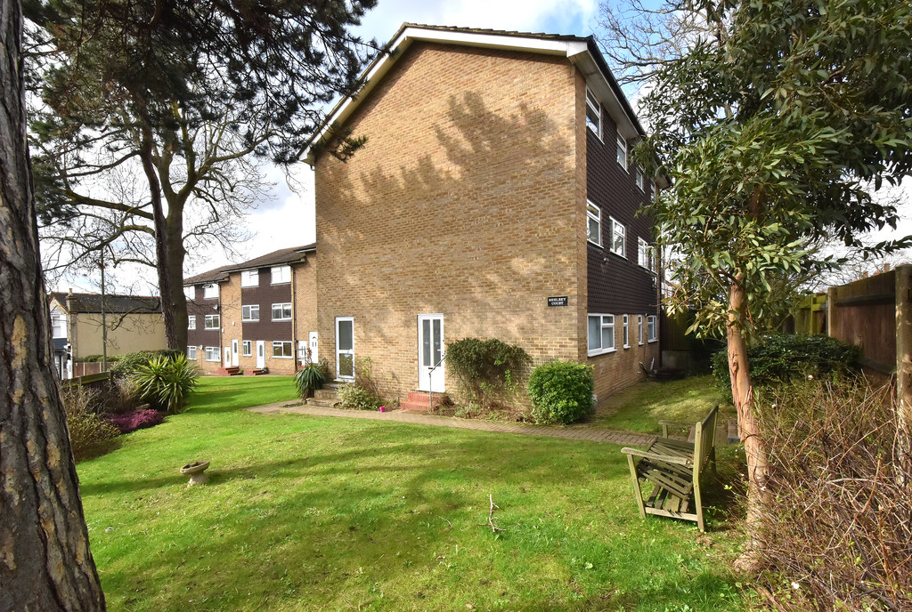 2 bed flat to rent in Shelbey Court, 1 Farnaby Road 5
