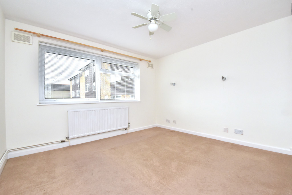 2 bed flat to rent in Shelbey Court, 1 Farnaby Road 6