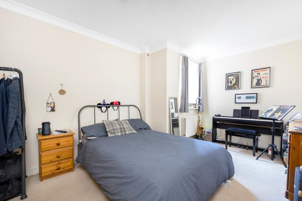 2 bed flat to rent in Hardwick House, Masons Hill  - Property Image 6