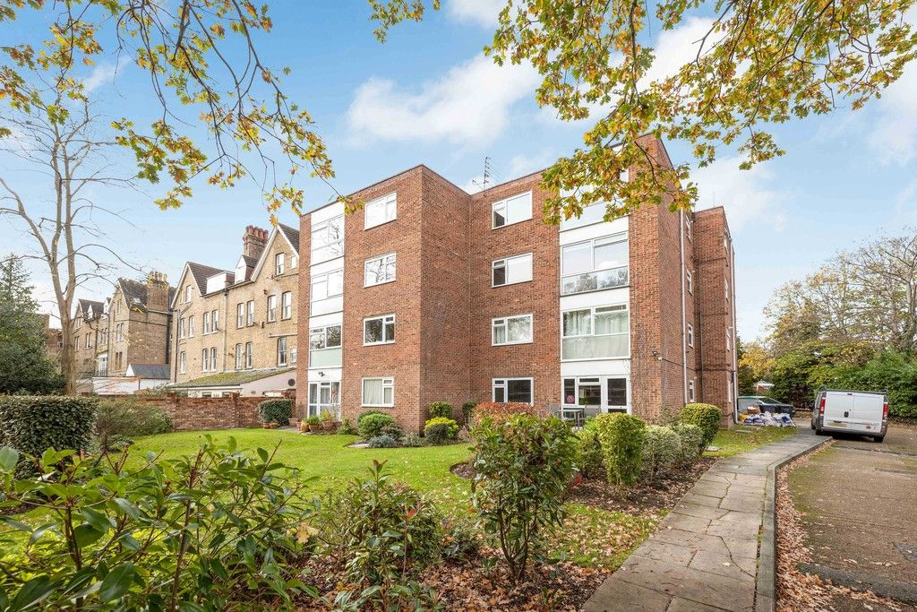 1 bed flat to rent in Everglades, Shortlands Road, BR2