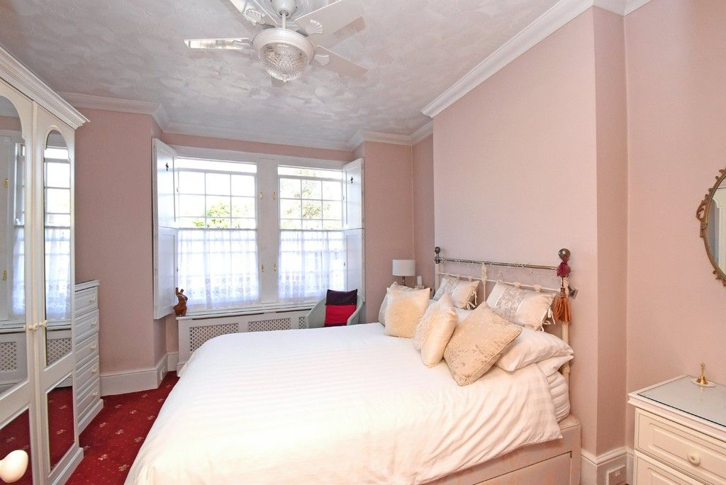 2 bed flat for sale in Saxon Road, Bromley 5