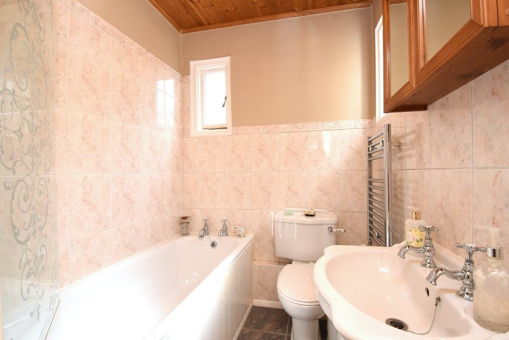 2 bed flat for sale in Saxon Road, Bromley 9