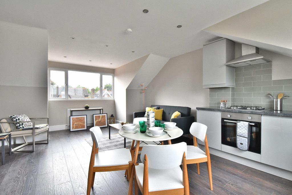 2 bed flat for sale in Hammelton Road, Bromley  - Property Image 1