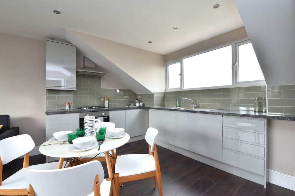 2 bed flat for sale in Hammelton Road, Bromley  - Property Image 3