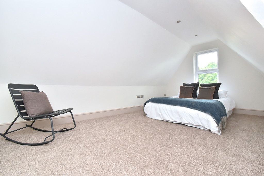 2 bed flat for sale in Hammelton Road, Bromley  - Property Image 6