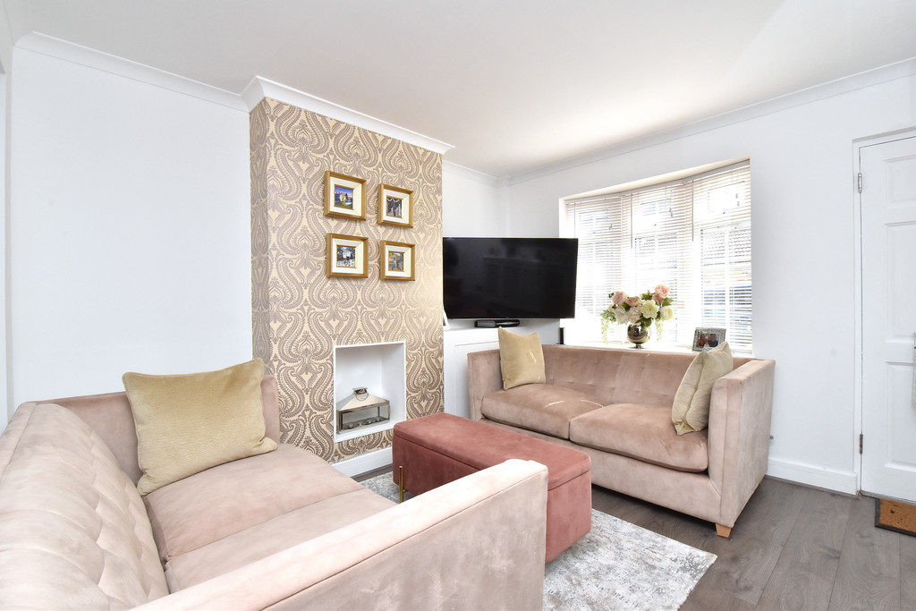 2 bed house for sale in Haxted Road, Bromley  - Property Image 3