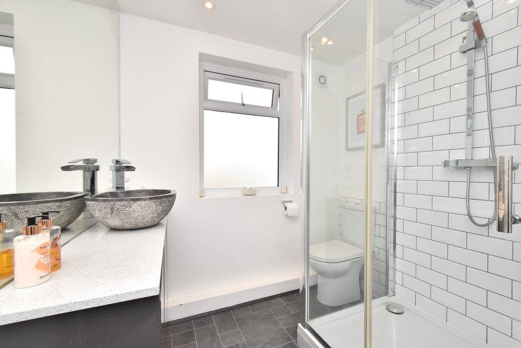 2 bed house for sale in Haxted Road, Bromley 8