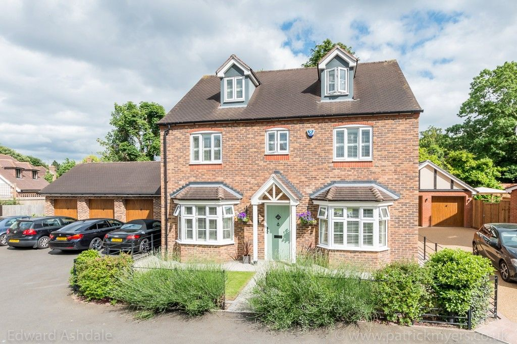 5 bed house for sale in Manor Gate Lane, Wilmington - Property Image 1