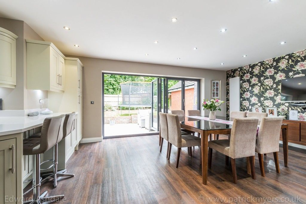 5 bed house for sale in Manor Gate Lane, Wilmington  - Property Image 11