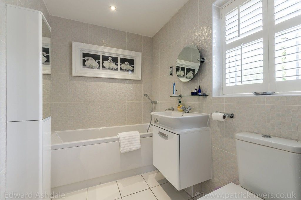 5 bed house for sale in Manor Gate Lane, Wilmington  - Property Image 15