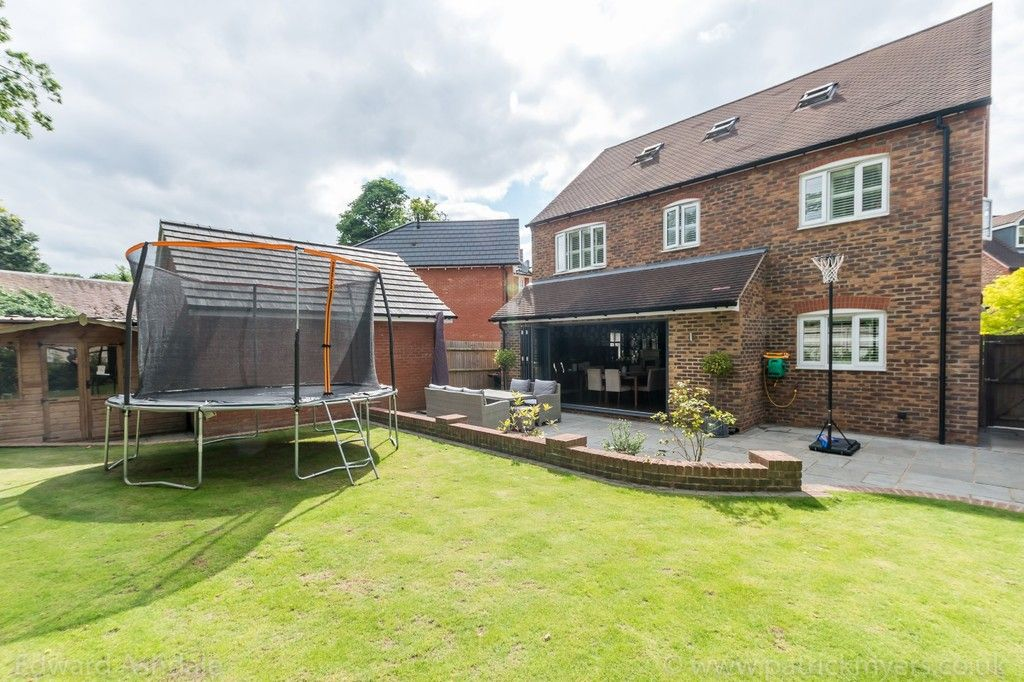 5 bed house for sale in Manor Gate Lane, Wilmington  - Property Image 19