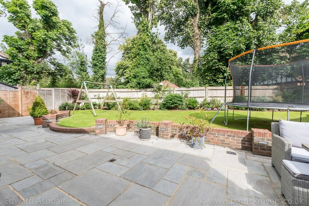 5 bed house for sale in Manor Gate Lane, Wilmington  - Property Image 22