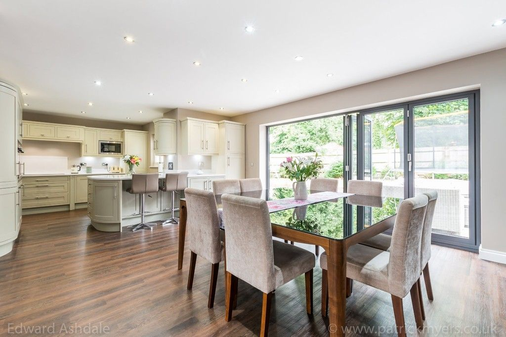 5 bed house for sale in Manor Gate Lane, Wilmington  - Property Image 5
