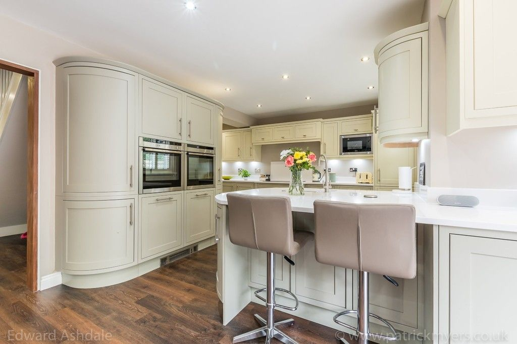 5 bed house for sale in Manor Gate Lane, Wilmington  - Property Image 7