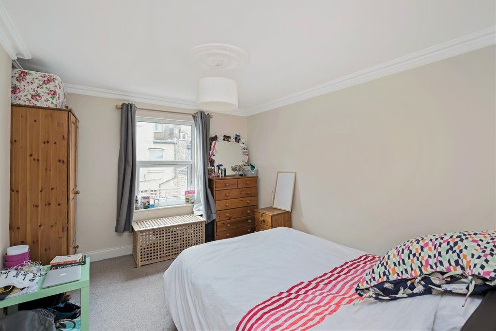 4 bed house to rent in Montrave Road, London  - Property Image 8