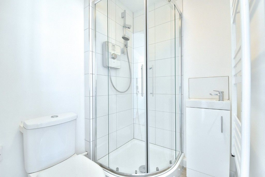 3 bed flat to rent in Cantley Gardens  - Property Image 12