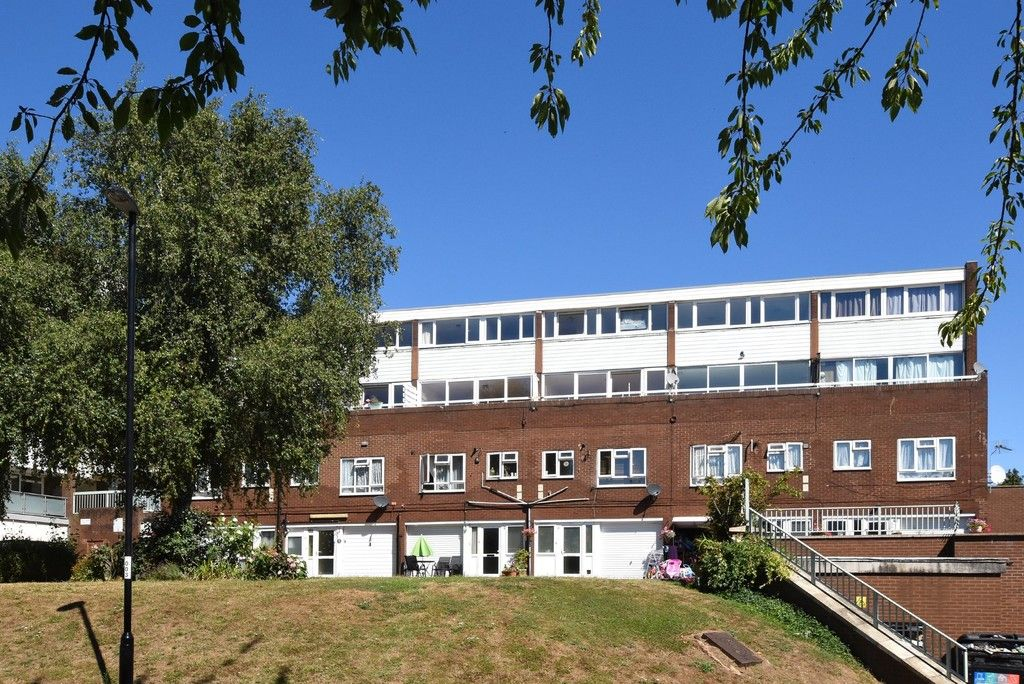 3 bed flat to rent in Cantley Gardens  - Property Image 14