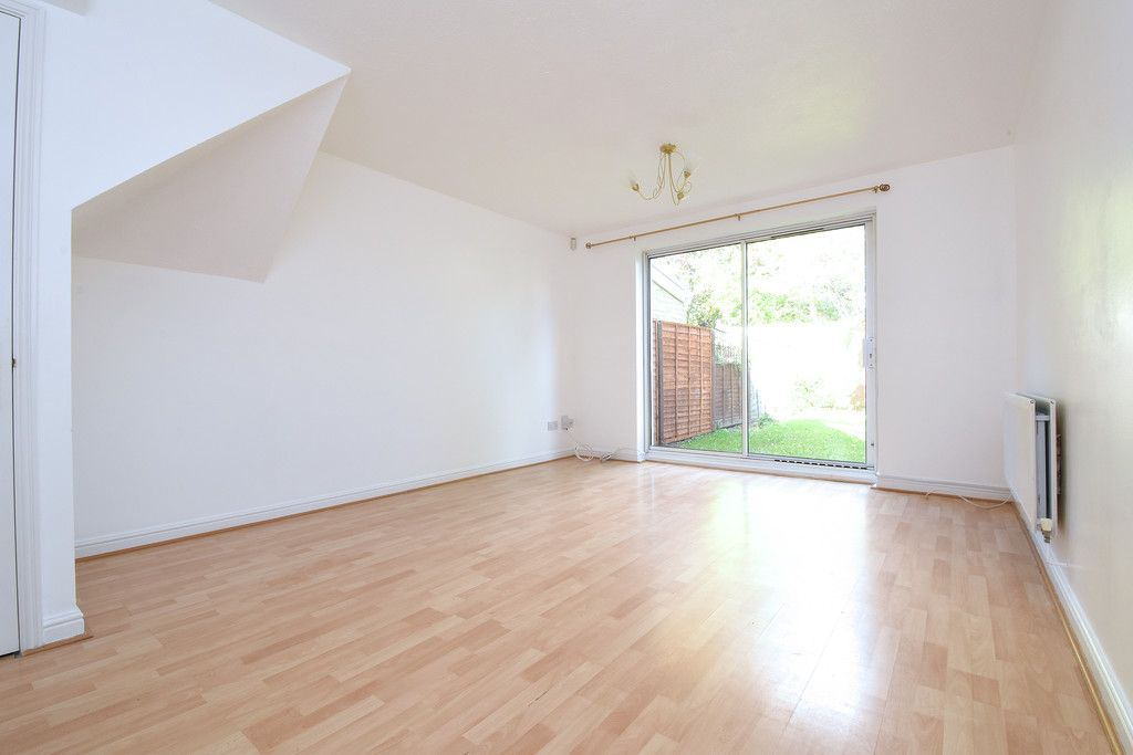 2 bed house to rent in Woldham Place, Bromley 2