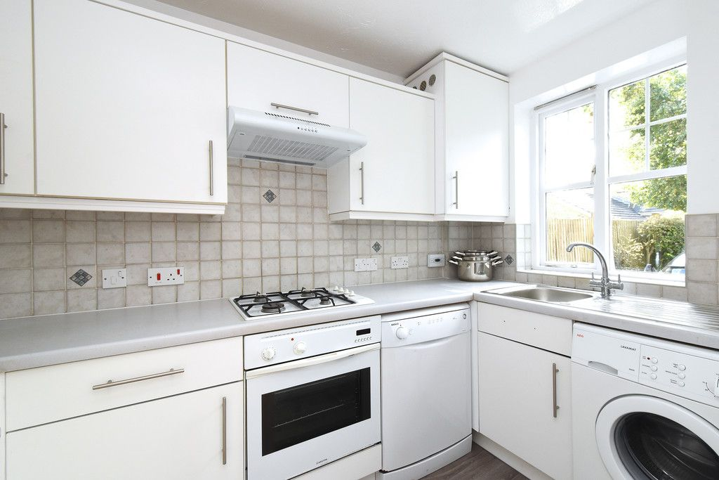 2 bed house to rent in Woldham Place, Bromley 4