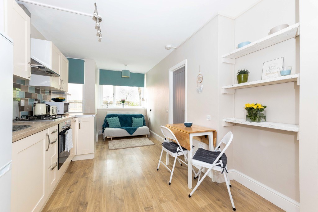 1 bed flat to rent in Lordship Lane, Dulwich, London 2