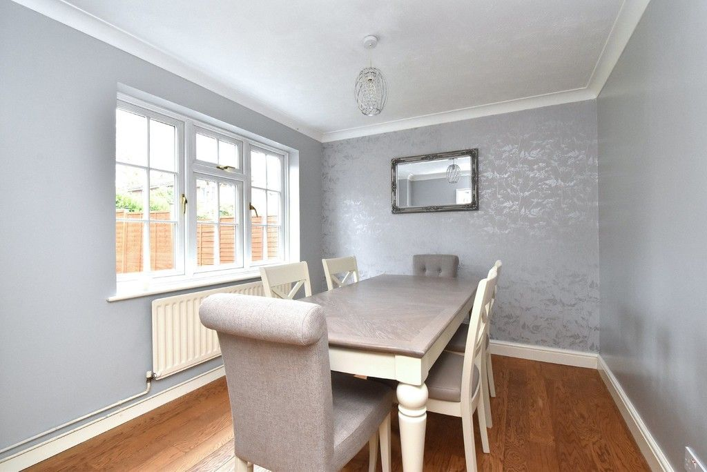 4 bed house for sale in Paddock Close, Farnborough 4