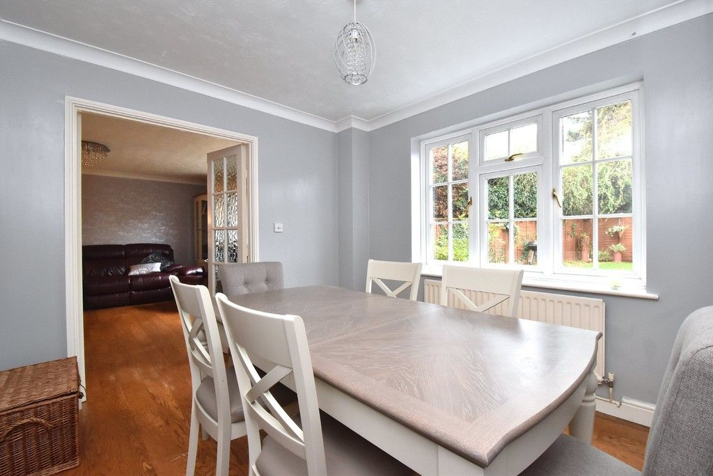4 bed house for sale in Paddock Close, Farnborough  - Property Image 5