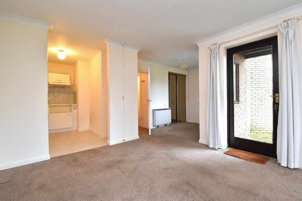 1 bed flat for sale in Deer Park Way, West Wickham  - Property Image 7