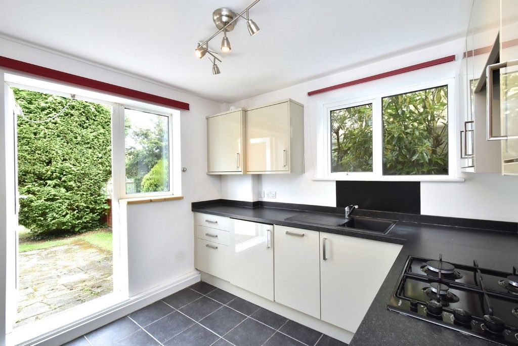 2 bed flat for sale in Farnborough Common, Locksbottom 2