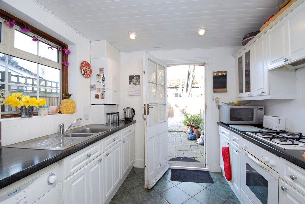 2 bed house for sale in Morgan Road, Bromley  - Property Image 5
