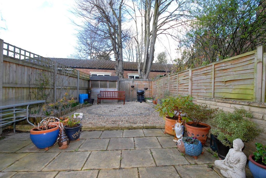 2 bed house for sale in Morgan Road, Bromley 8