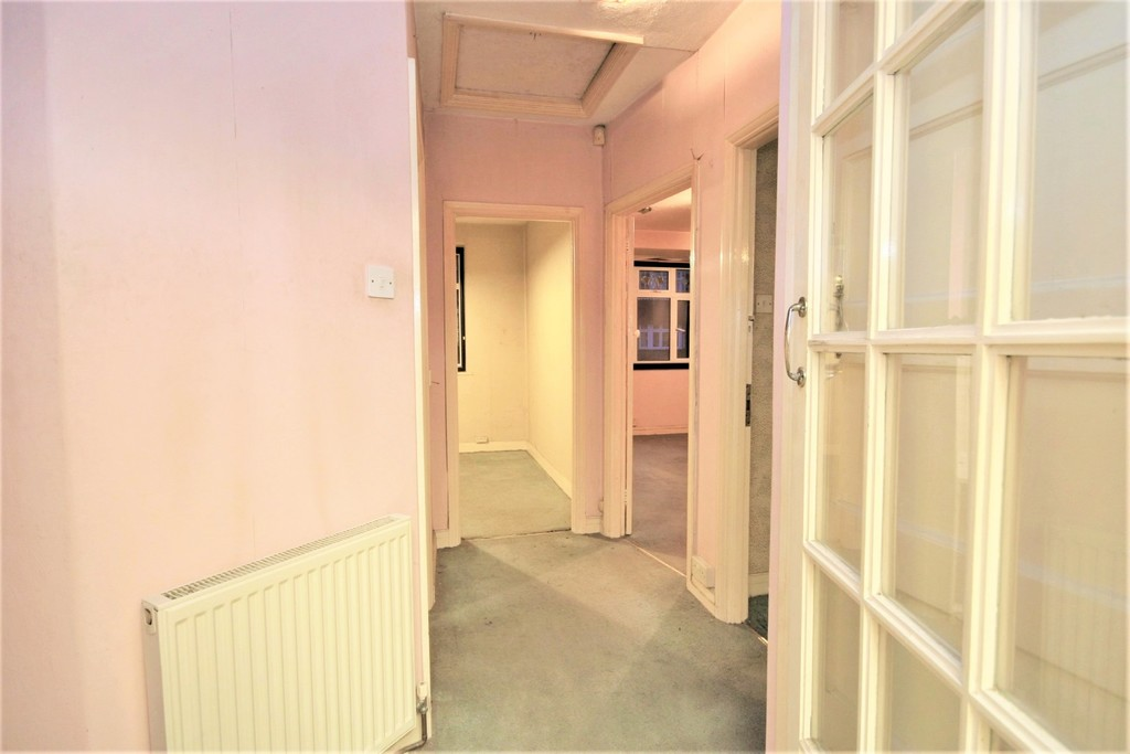 2 bed flat for sale in Mill Vale, Bromley  - Property Image 5