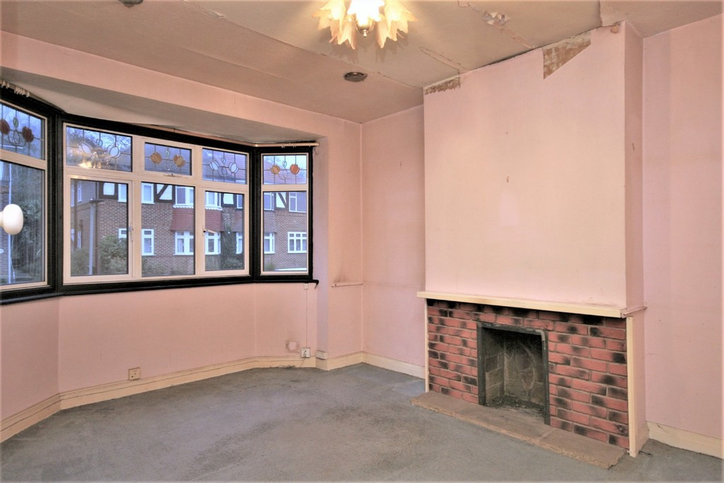 2 bed flat for sale in Mill Vale, Bromley 7